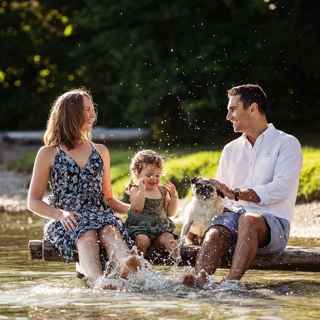 familie in Horgen am see, spritzen mit Wasser